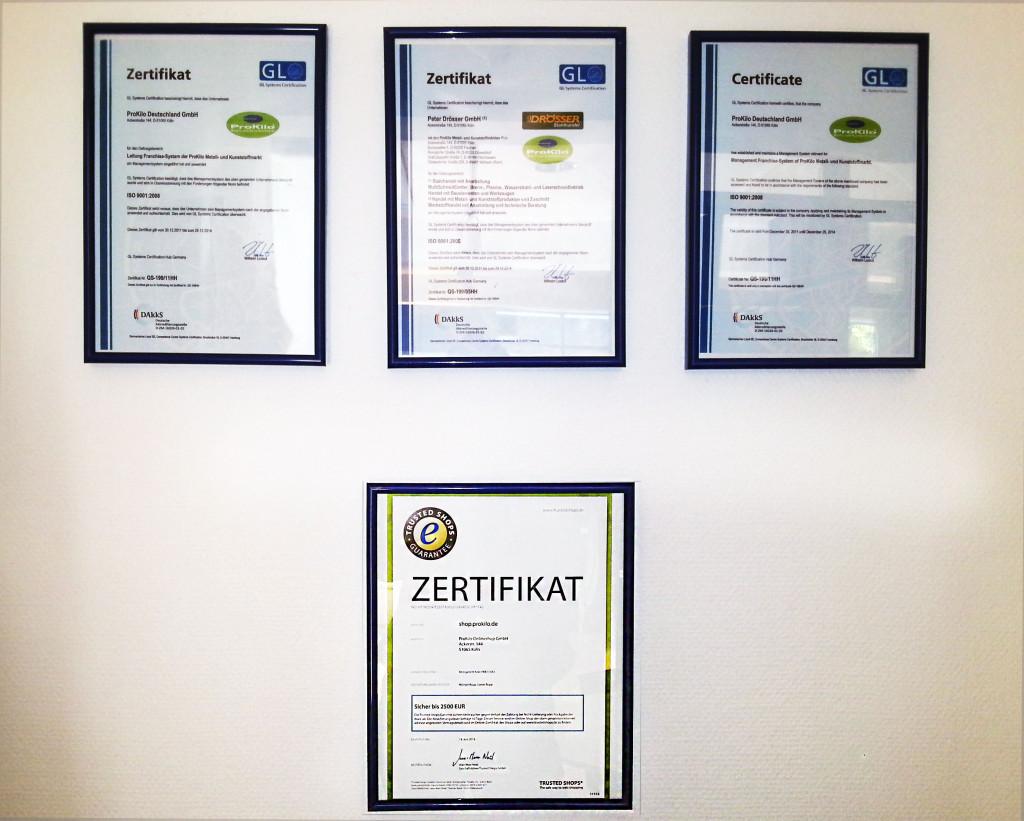 Unsere Zertifikat-Wand!
