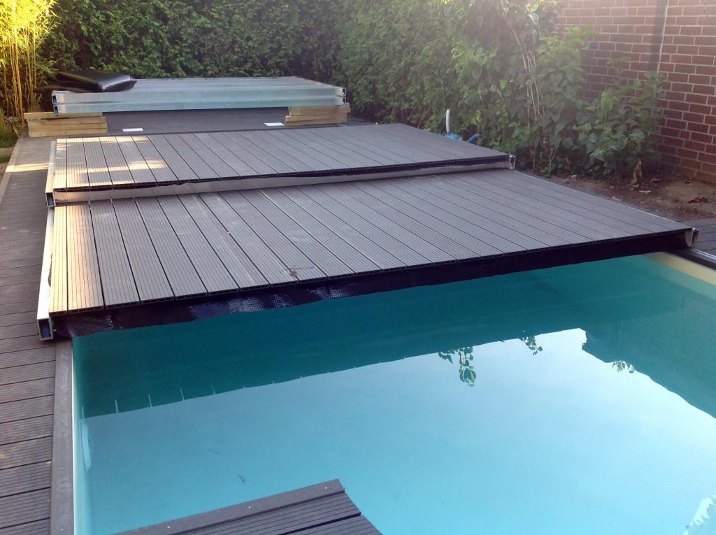 Die Terrassen-Pool-Konstruktion nimmt langsam Gestalt an...