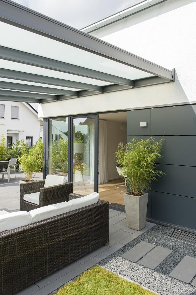 Wertet die Terrasse doch glatt optisch auf...