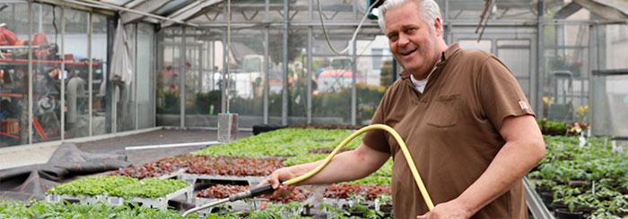 Metalle stilvoll in die Gartenlandschaft integrieren – ein Interview mit Gartenbaumeister Harald Spanner